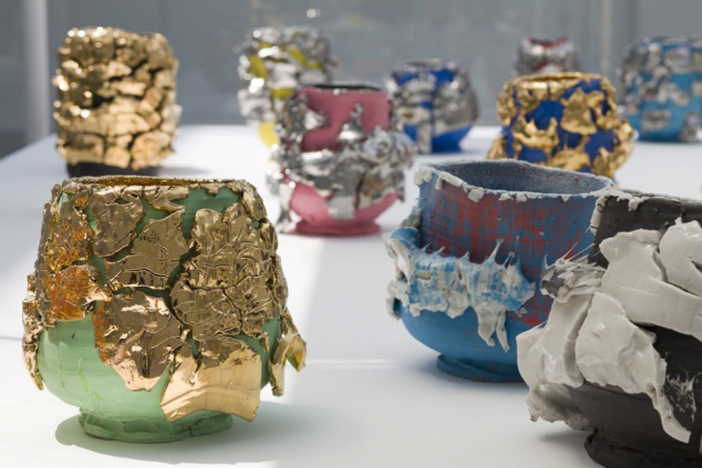 """Exhibition view of tea bowls by KUWATA Takuro in """"Art Crafting Towards the Future"""" at 21st Century Museum of Contemporary Art, Kanazawa, 2012"""