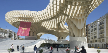 Jürgen Mayer H., Andre Santer and Marta Ramírez Iglesias: Metropol Parasol, Seville, Spain, 2011, photo courtesy of Hufton & Crow