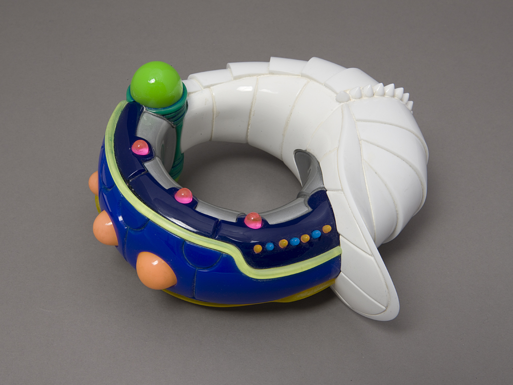 Bracelet, 2000: Peter Chang; Acrylic, resin; Gift of Mimi Livingston, 2008, Photo by Matthew Cox